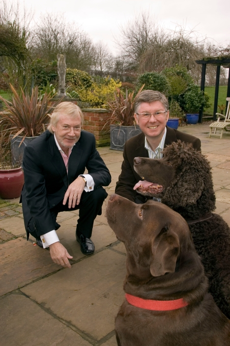 Chairman Graeme Radcliffe and Chief Executive Dr. Kevin Slater the Founding Partners of PetScreen Ltd.